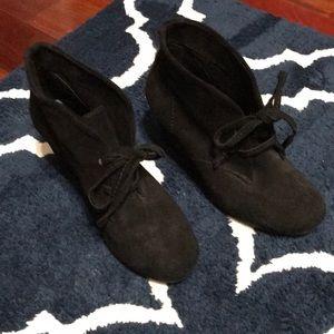 Gianni Bini black wedge booties